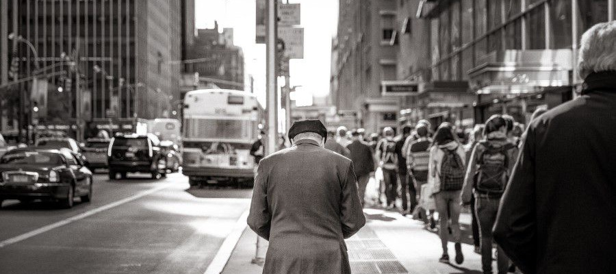 gratisography-old-man-city-street-thumbnail